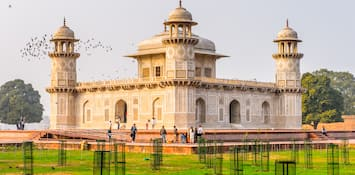Why Agra Is A Treasure For Those Interested In Art And Culture